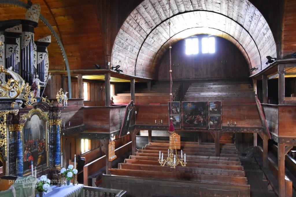 Drevený artikulárny kostol v Hronseku